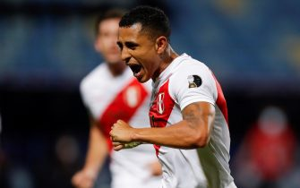 epa09319463 Peru's Yoshimar Yotun celebrates after scoring against Paraguay, during a match for the quarter-finals of the Copa America 2021 at the Pedro Ludovico Teixeira Olympic Stadium in Goiania, Brazil, 02 July 2021.  EPA/FERNANDO BIZERRA JR