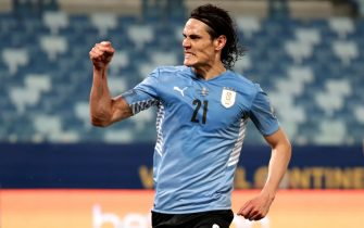 epa09299813 Uruguay's Edinson Cavani celebrates a goal today against Bolivia, during the soccer match for Group A of the Copa America 2021 between Bolivia and Uruguay at the Arena Pantanal stadium in Cuiaba, Brazil, 24 June 2021.  EPA/Raul Martinez
