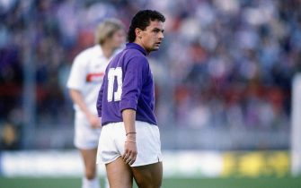 UNSPECIFIED, ITALY: 1987-88 Roberto Baggio of ACF Fiorentina looks on during the Serie A, Italy.  (Photo by Alessandro Sabattini/Getty Images)