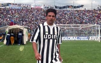 Roberto Baggio con la maglia della Juventus impegnata a Bergamo per la sfida di Serie A contro l'Atalanta, 22 settembre 1991  in una foto d'archivio, Roma, 15 Febbraio 2017.