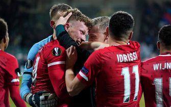 DEN HAAG, NETHERLANDS - NOVEMBER 28: Ferdy Druijf of AZ Alkmaar, Joris Kramer of AZ Alkmaar, Oussama Idrissi of AZ Alkmaar  during the UEFA Europa League   match between AZ Alkmaar v FK Partizan at the Cars Jeans Stadion on November 28, 2019 in Den Haag Netherlands (Photo by Ed van de Pol/Soccrates/Getty Images)