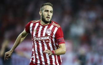 PIRAEUS, GREECE - AUGUST 23: Kostas Fortounis (M) of Olympiacos FC during the Europa League - Qualifying Play-Offs - 1st Leg match between Olympiacos FC and Burnley FC at Karaiskakis Stadium on August 23, 2018 in Piraeus, Greece. (Photo by MB Media/Getty Images)