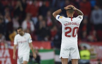 SEVILLE, SPAIN - FEBRUARY 27: Diego Carlos Santos of Sevilla reacts during the UEFA Europa League round of 32 second leg match between Sevilla FC and CFR Cluj at Estadio Ramon Sanchez Pizjuan on February 27, 2020 in Seville, Spain. (Photo by Sivestre Szpylma/Quality Sport Images/Getty Images)