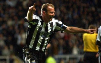 NEWCASTLE, UNITED KINGDOM:  Newcastle's Alan Shearer celebrates after scoring to make it 1-0 against Sporting during UEFA Cup clash at St James' Park, Newcastle, United Kingdom 07 April 2005. AFP Photo by Paul Barker  (Photo credit should read PAUL BARKER/AFP via Getty Images)