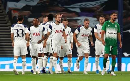 Il Tottenham ne fa 7. Ok il PSV, fuori lo Sporting