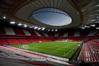 BILBAO, SPAIN - APRIL 25: General view inside the stadium prior to the La Liga Santander match between Athletic Club and Atletico de Madrid at Estadio de San Mames on April 25, 2021 in Bilbao, Spain. (Photo by Juan Manuel Serrano Arce/Getty Images)
