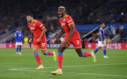 Doppio Osimhen, rimonta Napoli: 2-2 a Leicester