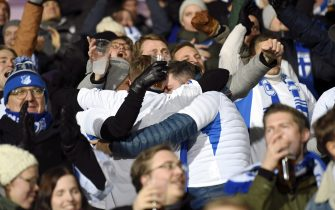 Finnish fans celebrate the 1-0 during the UEFA Euro 2020 Group J qualification football match between Finland and Liechtenstein in Helsinki, Finland, on November 15, 2019. (Photo by Martti Kainulainen / Lehtikuva / AFP) / Finland OUT (Photo by MARTTI KAINULAINEN/Lehtikuva/AFP via Getty Images)