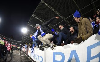 Finnish fans invade the pitch as they celebrate the victory after the UEFA Euro 2020 Group J qualification football match between Finland and Liechtenstein in Helsinki, Finland, on November 15, 2019. - Finland has qualified for the first time for a major football tournament. (Photo by Martti Kainulainen / Lehtikuva / AFP) / Finland OUT (Photo by MARTTI KAINULAINEN/Lehtikuva/AFP via Getty Images)