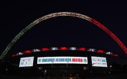 """L'omaggio di Wembley col Tricolore: """"Forza Italia"""""""