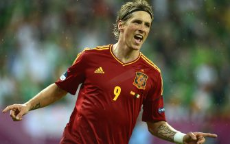 epa03265577 Spain's Fernando Torres celebrates after scoring the 3-0 lead during the Group C preliminary round match of the UEFA EURO 2012 between Spain and Ireland in Gdansk, Poland, 14 June 2012.  EPA/VASSIL DONEV UEFA Terms and Conditions apply http://www.epa.eu/downloads/UEFA-EURO2012-TCS.pdf
