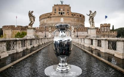 Euro, al via da Roma il viaggio della coppa. FOTO