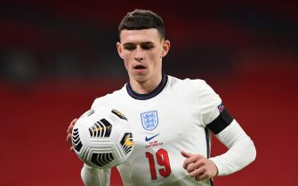 epa08828396 Phil Foden of England in action during the UEFA Nations League soccer match between England and Iceland in London, Britain, 18 November 2020.  EPA/Neil Hall / POOL