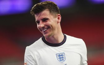 epa08736336 Mason Mount of England smiles during the UEFA Nations League match between England and Belgium in London, Britain, 11 October 2020.  EPA/Neil Hall / POOL