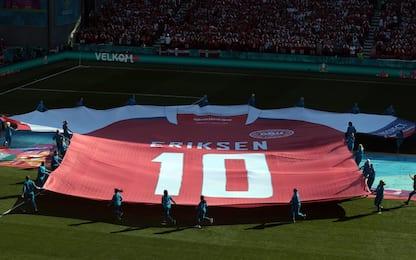Tutti con Eriksen, l'omaggio del Parken Stadium