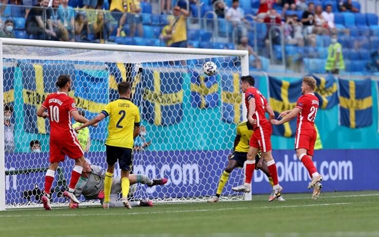 Svezia-Polonia, traversa di Lewandowski