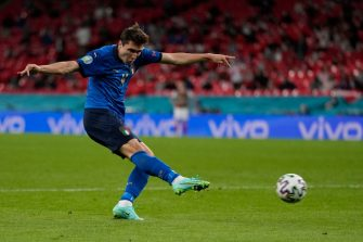Italy's midfielder Federico Chiesa attempts a shot during the UEFA EURO 2020 round of 16 football match between Italy and Austria at Wembley Stadium in London on June 26, 2021. (Photo by Frank Augstein / POOL / AFP) (Photo by FRANK AUGSTEIN/POOL/AFP via Getty Images)