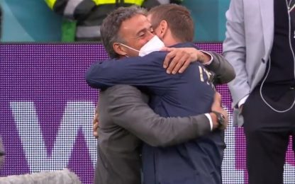 De Rossi-Luis Enrique, abbraccio nel pre-partita