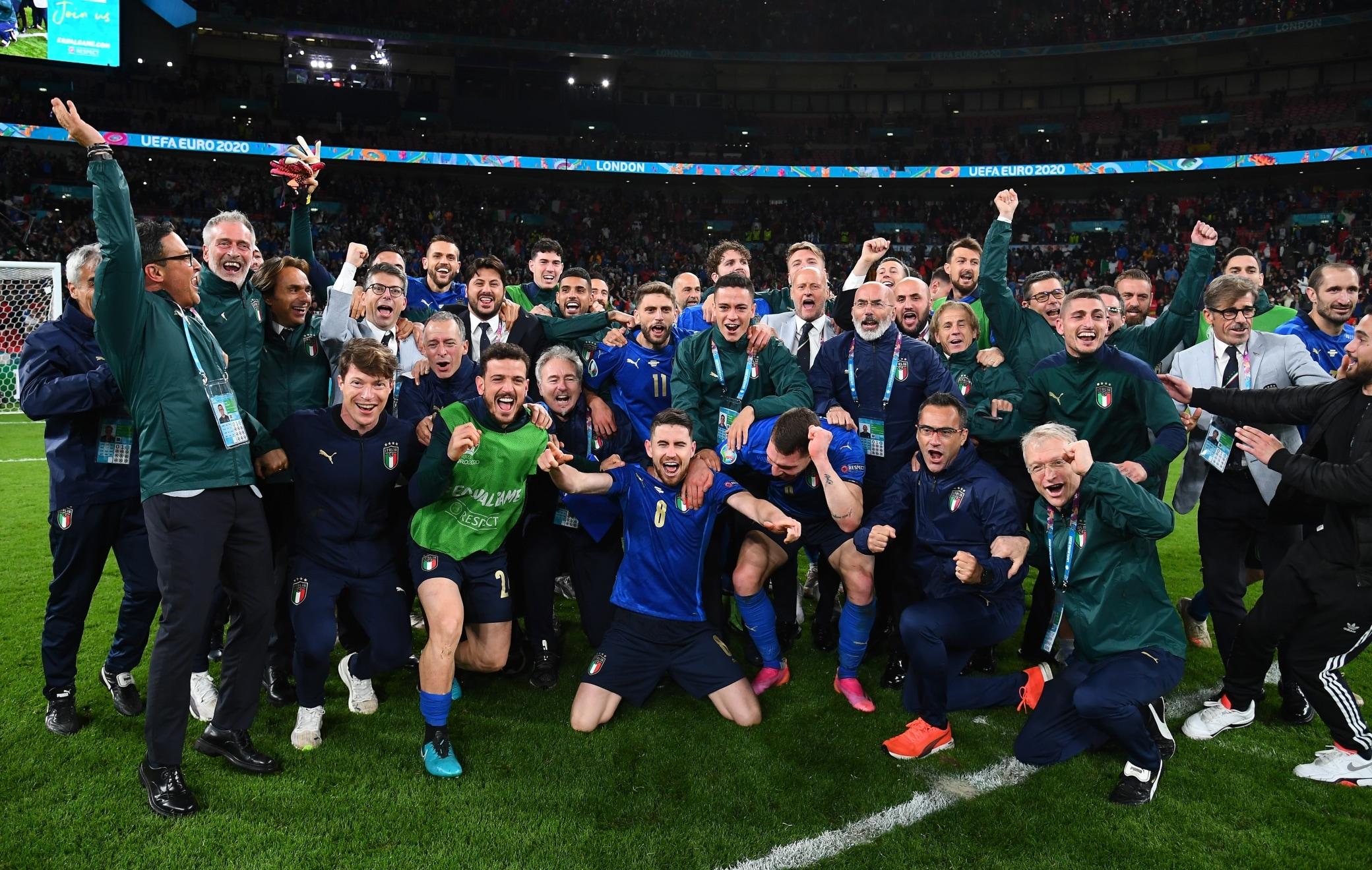 Italia-Spagna 5-3 dcr, gol e highlights: sbaglia Morata. Azzurri in finale  | Sky Sport