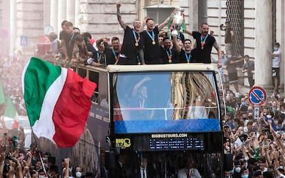 Italia in delirio, show per le vie di Roma. FOTO