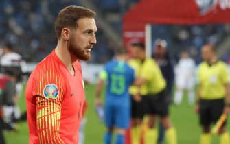 HAIFA, ISRAEL - MARCH 21: Goalkeeper Jan Oblak of Slovenia looks dejected during the 2020 UEFA European Championships group G qualifying match between Israel and Slovenia at Itztadion Sammy Ofer on March 21, 2019 in Haifa, Israel. (Photo by TF-Images/Getty Images)