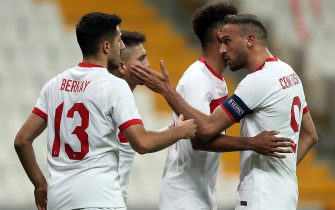 epa08814248 Cengiz Under (back-L) of Turkey celabrates with teammates after scoring the 3-3 goal during the international friendly soccer match between Turkey and Croatia in Istanbul, Turkey, 11 November 2020.  EPA/ERDEM SAHIN