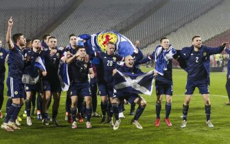 epa08816788 Scotland's players celebrate after winning the penalty shootout of the UEFA EURO 2020 qualification playoff match between Serbia and Scotland in Belgrade, Serbia, 12 November 2020.  EPA/ANDREJ CUKIC