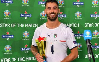 ROME, ITALY - JUNE 11: Leonardo Spinazzola of Italy poses for a photograph with his Heineken Star of the Match award after the UEFA Euro 2020 Championship Group A match between Turkey and Italy at the Stadio Olimpico on June 11, 2021 in Rome, Italy. (Photo by Valerio Pennicino - UEFA/UEFA via Getty Images)