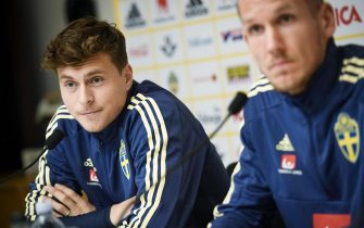 epa07079400 Sweden's Victor Nilsson Lindelof and Robin Olsen during a press conference at Friends Arena in Solna, Sweden, 08 October 2018. Sweden face Russia in a UEFA Nations League soccer match on 11 OCtober.  EPA/Pontus Lundahl  SWEDEN OUT