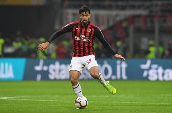 MILAN, ITALY - MARCH 17:  Lucas Paquetà of AC Milan in action during the Serie A match between AC Milan and FC Internazionale at Stadio Giuseppe Meazza on March 17, 2019 in Milan, Italy.  (Photo by Alessandro Sabattini/Getty Images)
