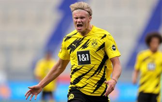 epa08618523 Dortmund's Erling Haaland reacts during the pre-season friendly soccer match between Borussia Dortmund and Feyenoord Rotterdam in Duisburg, Germany, 22 August 2020.  EPA/FRIEDEMANN VOGEL