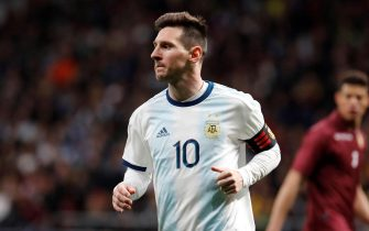 epa07457164 Argentina's Lionel Messi in action during an International friendly soccer between Argentina and Venezuela at Wanda Metropolitano stadium in Madrid, Spain, 22 March 2019.  EPA/JUAN CARLOS HIDALGO
