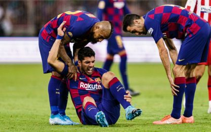 Suarez operato, stop di 4 mesi: salta Napoli-Barça