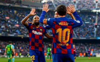 Messi avvisa il Napoli: 4 gol e sorpasso al Real
