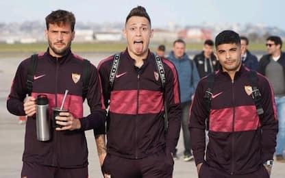 Giocatori del Siviglia rompono l'isolamento. FOTO