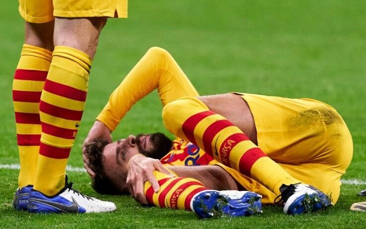QUI BARCELLONA - Ginocchio ko per Piqué: potrebbe restare fuori addirittura otto mesi!