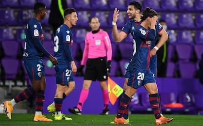 Tris di Rafa Mir, l'Huesca stende il Valladolid