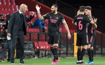 Il Real non molla: 4-1 a Granada e -2 dalla vetta