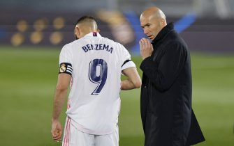 Karim Benzema of Real Madrid and Real Madrid manager Zinedine Zidane during the La Liga match between Real Madrid and FC Barcelona played at Alfredo Di Stefano Stadium on April 10, 2021 in Madrid, Spain. (Photo by Ruben Albarran / PRESSINPHOTO)