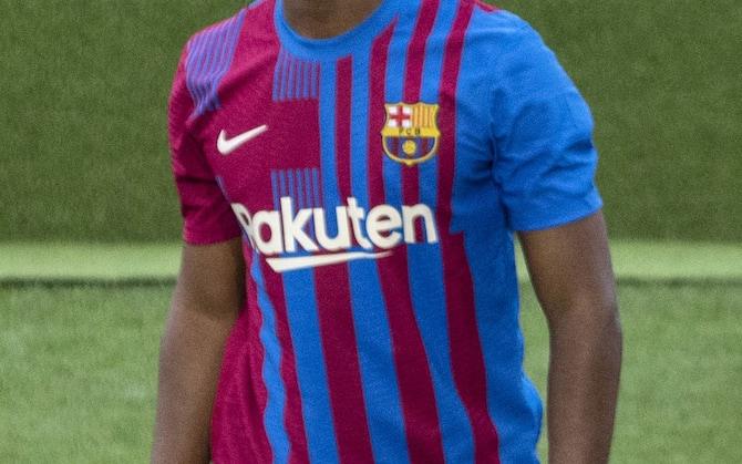 Barcellona, la presentazione della nuova maglia 2021-2022 | Sky Sport
