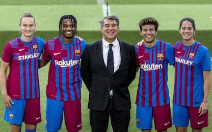 Barça, maglia 21-22 ispirata allo stemma del club