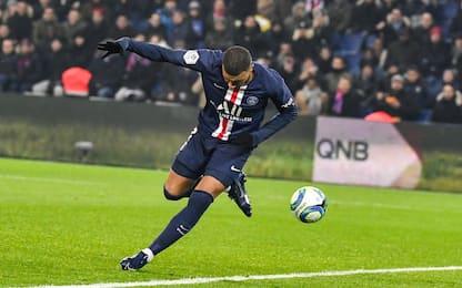 Magia Mbappé, gol di tacco in Psg-Nantes. VIDEO