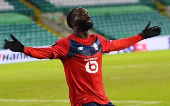 epa08876250 Jonathan Ikone of Lille celebrates after scoring the opening goal during the UEFA Europa League group H soccer match between Celtic Glasgow vs OSC Lille in Glasgow, Britain, 10 December 2020.  EPA/Andy Buchanan / POOL