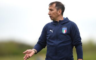 BURTON-UPON-TRENT, ENGLAND - MAY 04:  Carmine Nunziata, Head coach of Italy looks on prior to the UEFA European Under-17 Championship Group A match between Italy and Switzerland at St Georges Park on May 4, 2018 in Burton-upon-Trent, England.  (Photo by Nathan Stirk/Getty Images)