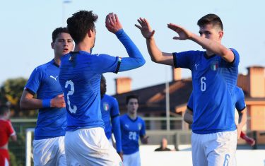 BRUGNERA, ITALY - FEBRUARY 12:  Francesco Lamanna of Italy U17 celebrates after scoring his team third goal with team mates during the International Friendly match between Italy U17 and Serbia U17 on February 12, 2019 in Tamai di Brugnera, Italy.  (Photo by Alessandro Sabattini/Getty Images)