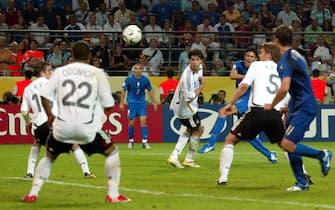 © Marco Rosi \ LaPresse04-06-2006 Dortmundsport - calcioCampionato del Mondo Germania 2006 Germania - ItaliaNella foto  la rete di Fabio Grosso