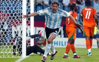 © Marco Rosi \ LaPresse10-06-2006  Amburgosport - calcioCampionato del Mondo Germania 2006   Argentina - Costa d'AvorioNella foto esultanza dell'Argentina dopo la rete di Hernan Crespo