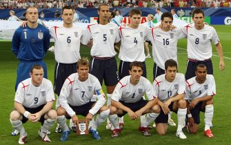 Gelsenkirchen, GERMANY:  (1st row fromL) English forward Wayne Rooney, midfielder David Beckham, defender Gary Neville, midfielder Joe Cole, defender Ashley Cole, (2nd row fromL) goalkeeper Paul Robinson, defender John Terry, defender Rio Ferdinand, midfielder Steven Gerrard, midfielder Owen Hargreaves and midfielder Frank Lampard poses for a team picture prior to the World Cup 2006 quarter final football game England vs. Portugal, 01 July 2006 at Gelsenkirchen stadium. AFP PHOTO / ADRIAN DENNIS  (Photo credit should read ADRIAN DENNIS/AFP via Getty Images)