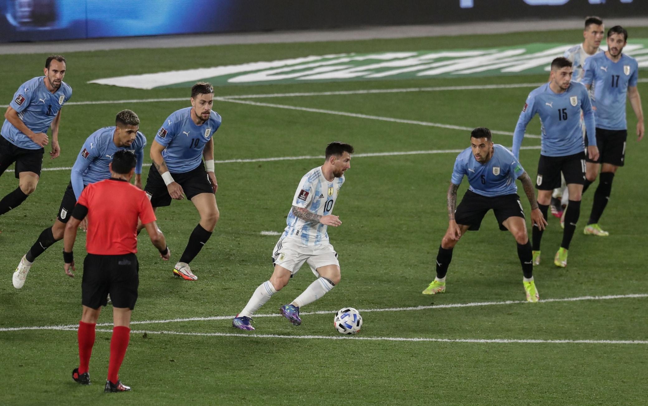 Messi in Argentina-Uruguay