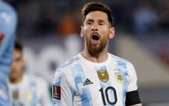 epa09517886 Argentina's Lionel Messi in action during the CONMEBOL World Cup Qatar 2022 qualifier soccer match between Argentina and Uruguay at the Monumental Stadium in Buenos Aires, Argentina, 10 October 2021.  EPA/Juan Ignacio Roncoroni
